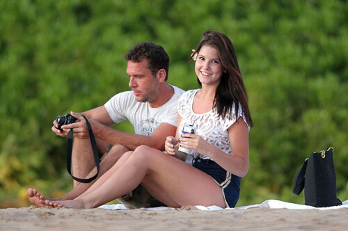 Amanda Cerney and boyfriend Dane Cook