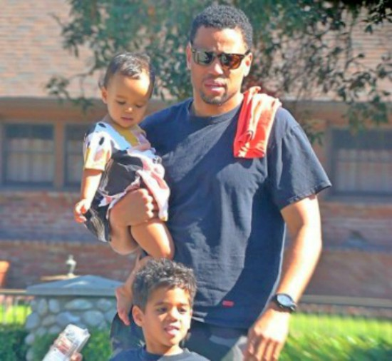 Mike ealy married