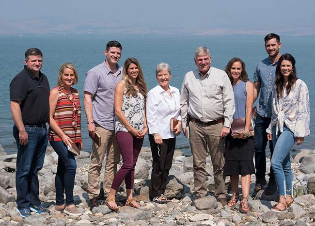 Happy Family Picture: Franklin Graham spending time with his whole family