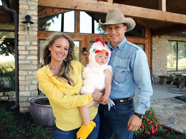 Image of Singer Jewel Kilcher with her ex husband Ty Murray and their kid, son Kase