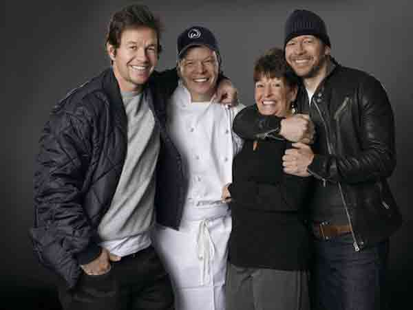 alma wahlberg family Mark, Paul and Donnie Wahlberg