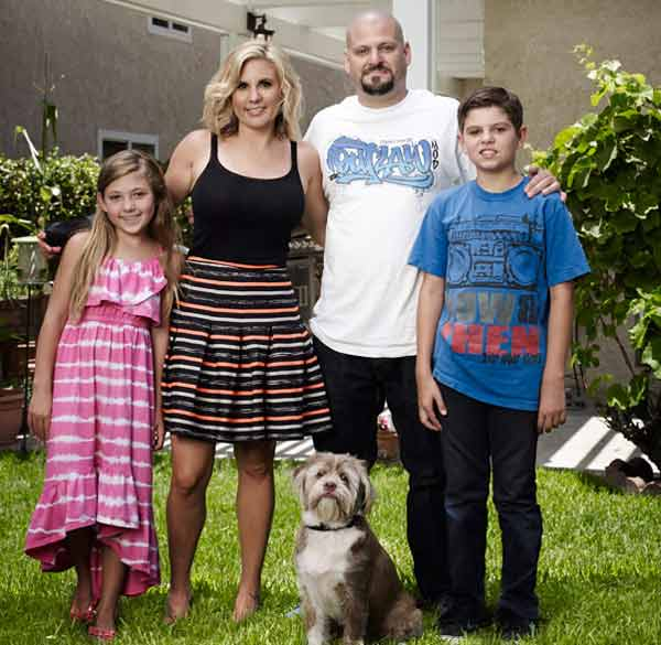 Image of Brandi Passante with her husband and their kids