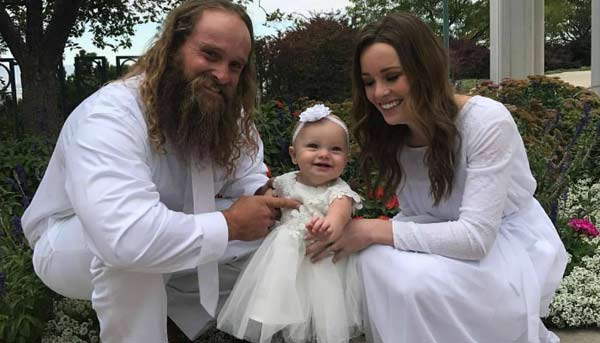 Image of Diesel Dave with his wife Susan and kid