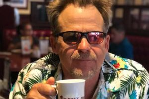 Image of Kin Shriner Married, Wife, Children, Gay Rumours, Son, Net Worth, Age, and Salary