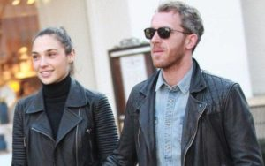 Image of Yaron Varsano with his wife Gal Gadot