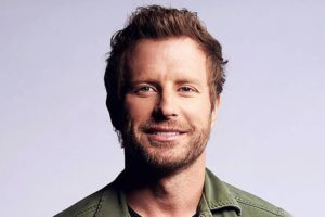 Image of Dierks Bentley Wife, Married, Children, Net Worth, Age, and Wiki-bio
