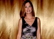Image of Kassie Depaiva Husband, Son, Married, Net Worth, Measurements, Health, Cancer Updates