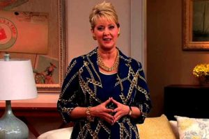 Image of QVC Mary Beth Roe Husband, Wikipedia, Net Worth, Salary, Married, Children, Daughter, Measurements, Bio