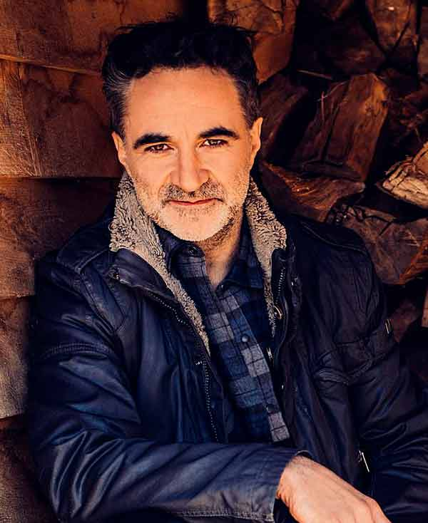 Image of Noel Fitzpatrick is currently single