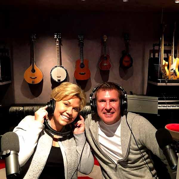 Image of Julie Chrisley with her husband Todd Chrisley.