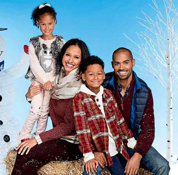 Image of Lamon Archey with his wife Mercedes Cornett and their kids