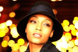 Image of Yaya DaCosta Net Worth, Husband, Married, Children, Measurements, Bio
