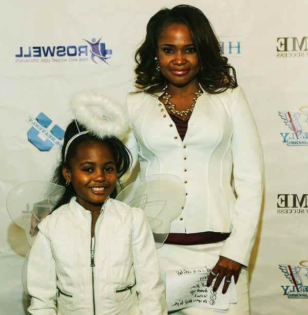 Image of Heavenly Kimes with her daughter Alaura.
