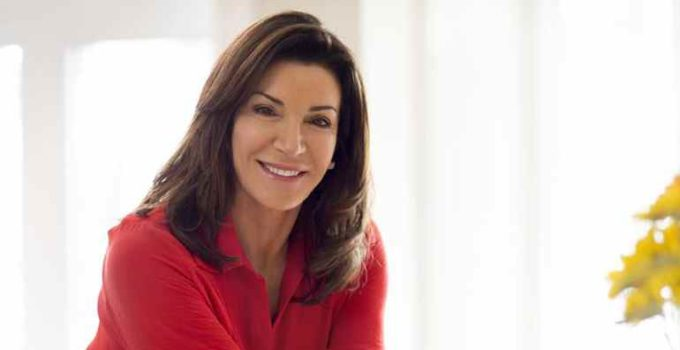 Image of Is Hilary Farr Married. Know Her Husband, Net Worth, Plastic Surgery, Wiki/Bio