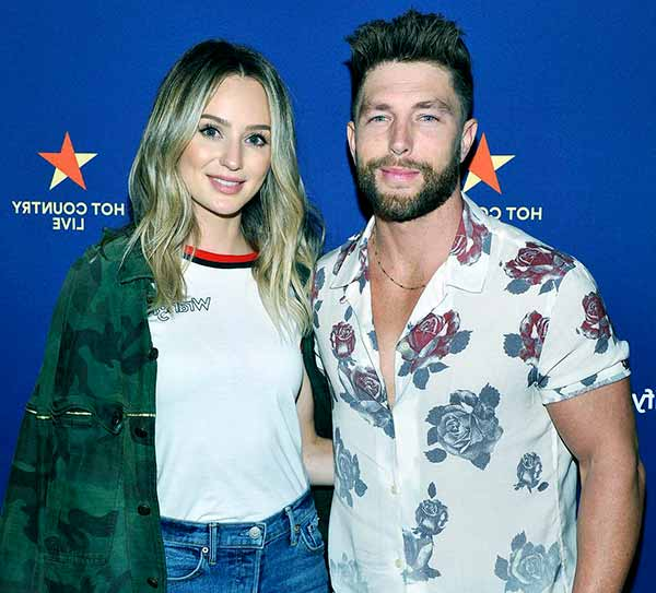 Image of Chris Lane with his girlfriend Lauren Bushnell