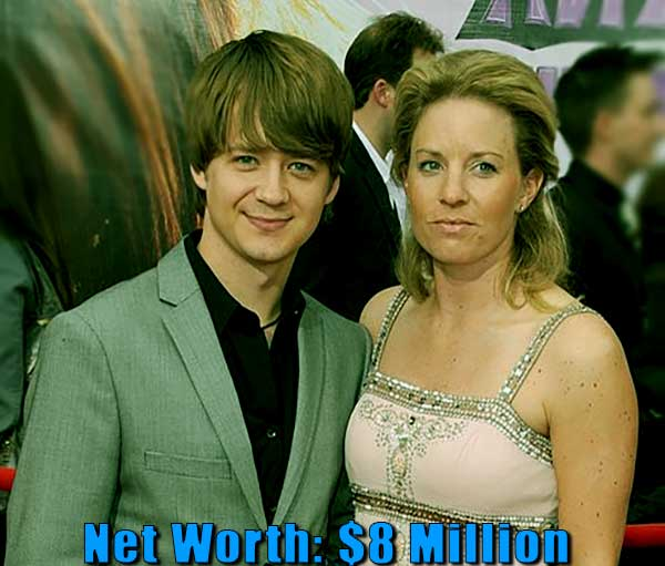"""Image of Jennifer Earles net worth"