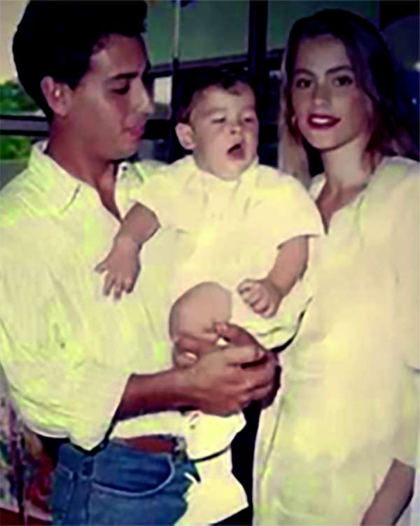 Image of Joe Gonzalez with his ex- wife Sofia Vergara and with his son Manolo
