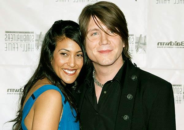 Image of John Rzeznik with his wife Melina Gallon