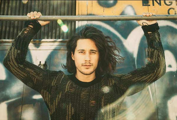 Image of Peter Gadiot neither married nor dating