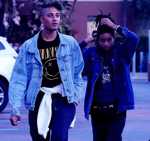 Image of Willow Smith with her boyfriend Tyler Cole