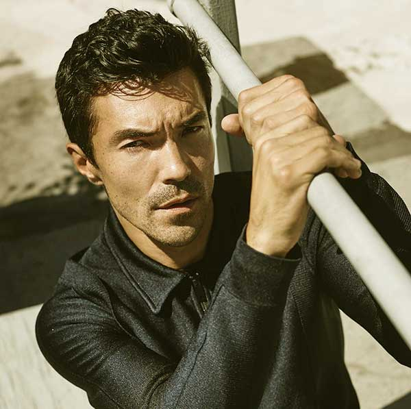 Image of American actor, Ian Anthony Dale