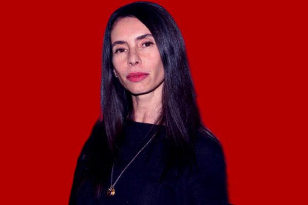 Image of Tharita Cesaroni, wife of Dermot Mulroney