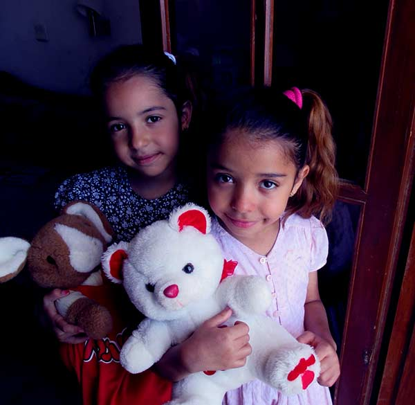 Image of Yvette Prieto daughters Ysabel Jordan and Victoria Jordan