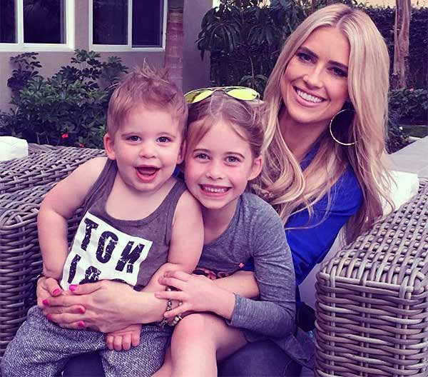 Image of Ant Anstead's wife Christina El Moussa with her kids Taylor Reese El Moussa (daughter) and Brayden El Moussa (son)