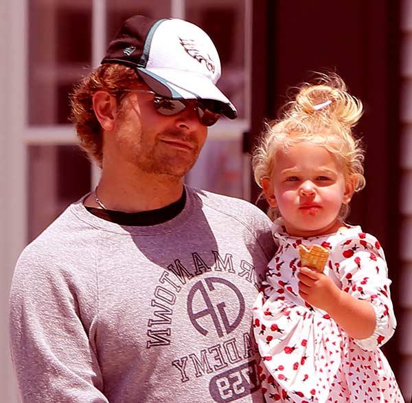Image of Bradley Cooper with his daughter Lea De Seine Shayk Cooper