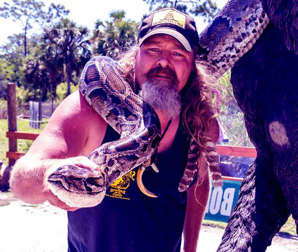 Image of Snake Hunter Dusty Crum not married to a wife