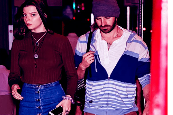 Image of Anya Taylor Joy with her fiance Eoin Macken