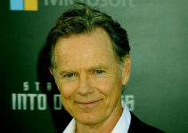 Image of Bruce Greenwood wife, net worth, children, biography, wiki