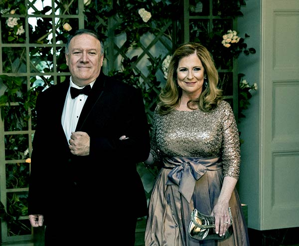 Image of Mike Pompeo with his wife Susan Pompeo