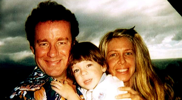 Image of Late Comedian Phil Hartman with his family