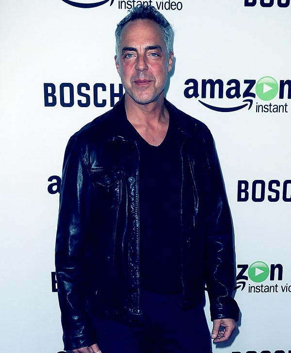 Image of Actor, Titus Welliver height is 5 feet 6 inches