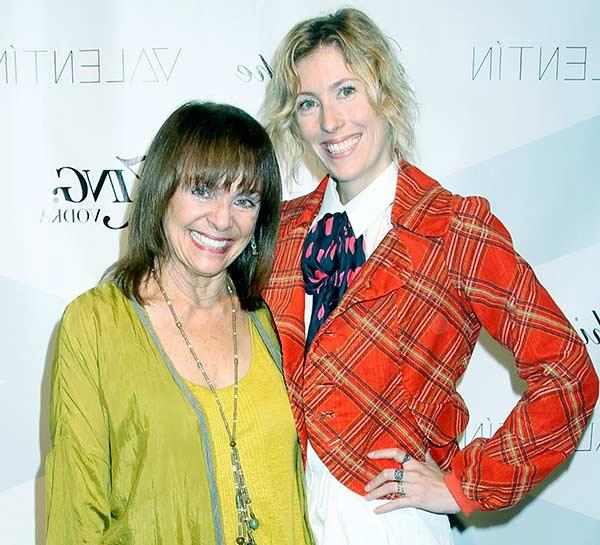 Image of Valarie Harper with her daughter Cristina Cacciotti