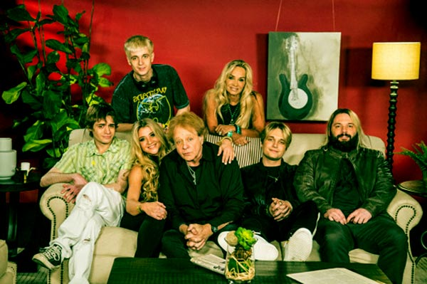 Image of Eddie Money with his wife Laurie Money and with their kids
