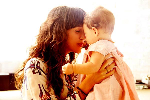 Image of Zoë Buckman With Infant Cleo Buckman