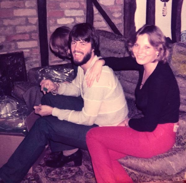 Image of Hannah's mom and dad in 1980