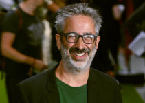 Image of David Baddiel Wife, Children, Family, Brother, Net Worth, Bio