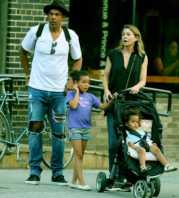 Image of Ellen Pompeo and Chris Ivery with their daughters Sienna and Stella