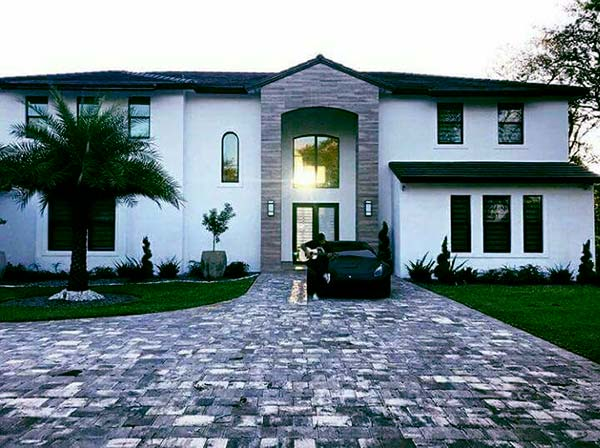 Image of Rapper, Daddy Yankee house