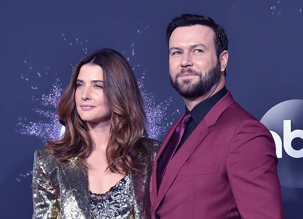 Image of Cobie Smulders with her husband Taran Killam