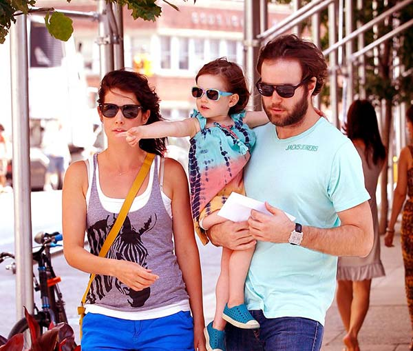 Image of Cobie Smulders with her husband Taran and daughter Shaelyn Cado Killam.
