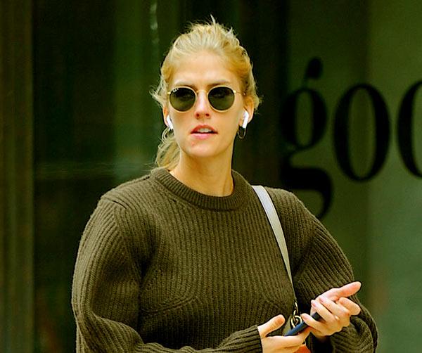 Image of Model, Taylor Neisen