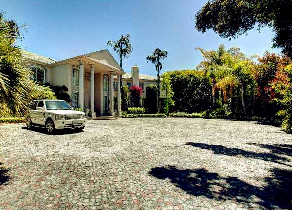 Image of Caption: Martin Lawrence's former Beverly Hills mansion